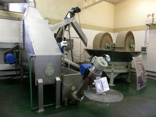 Maipu, Pasrai - olive oil processing plant machines