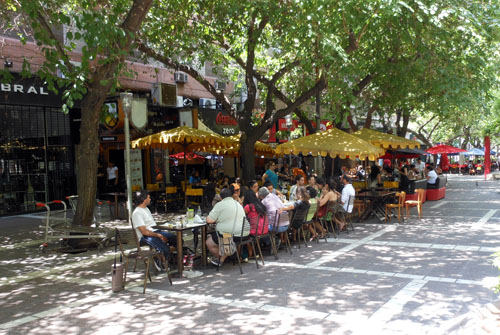 Mendoza - busy cafes on pedestrianised Paetonal Sarmiento