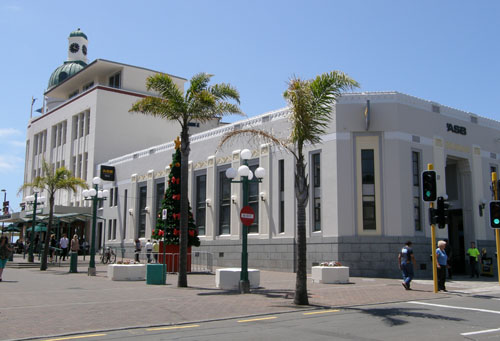 New Zealand, North Island - Napier, art deco bank