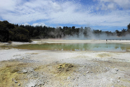 New Zealand, North Island - Waiotapu Thermal Wonderland, champagne pool area