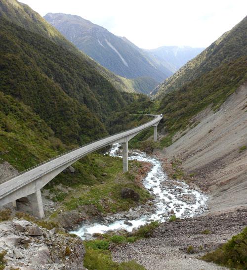 New Zealand, South Island - Death's Corner Viaduct near Arthur's Pass