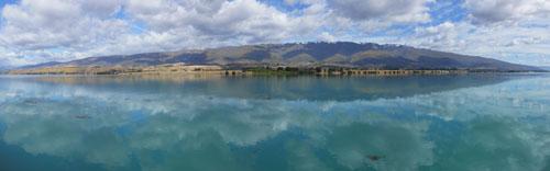New Zealand, South Island - Lake Dunstan panorama