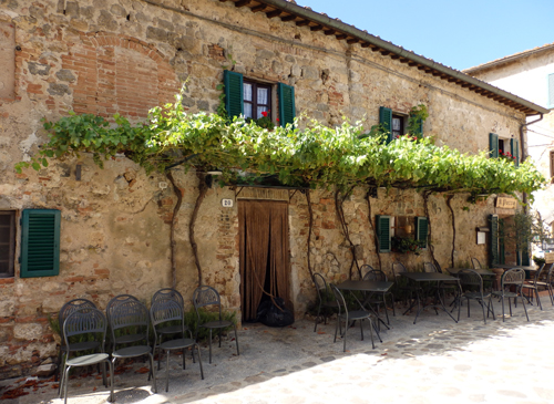 Monteriggioni Piazza, Tuscany, Italy